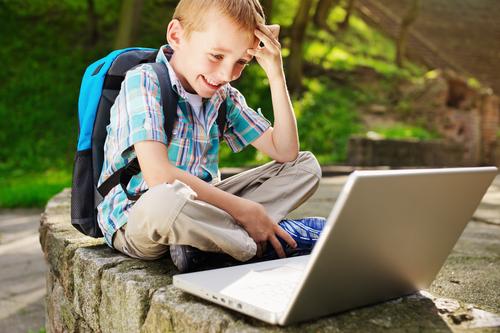 kids-learn-laptop-school-student